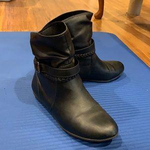 American Eagle Women's Black Booties 6.5W